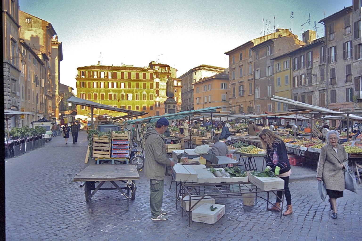 Piazza Campo di Fiori, Roma